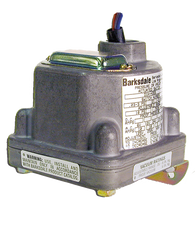 Barksdale Series D1H Diaphragm Pressure Switch, .38 PSI Decr Factory Preset, Housed, Single Setpoint, 0.018 to 1.7 PSI, D1H-H2SS-S0414