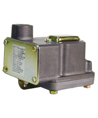 Barksdale Series D1T Diaphragm Pressure Switch, Housed, Single Setpoint, 0.018 to 1.7 PSI, D1T-M2SS