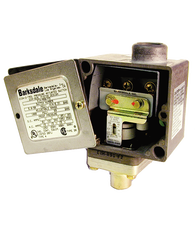 Barksdale Series E1H Dia-Seal Piston Pressure Switch, Housed, Single Setpoint, 3 to 90 PSI, E1H-H90-P6-PLS