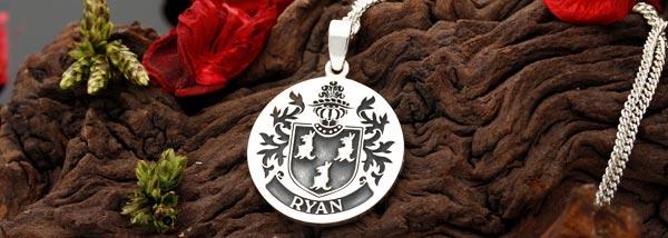 silver-pendant-custom-engraved-jewellery.jpg