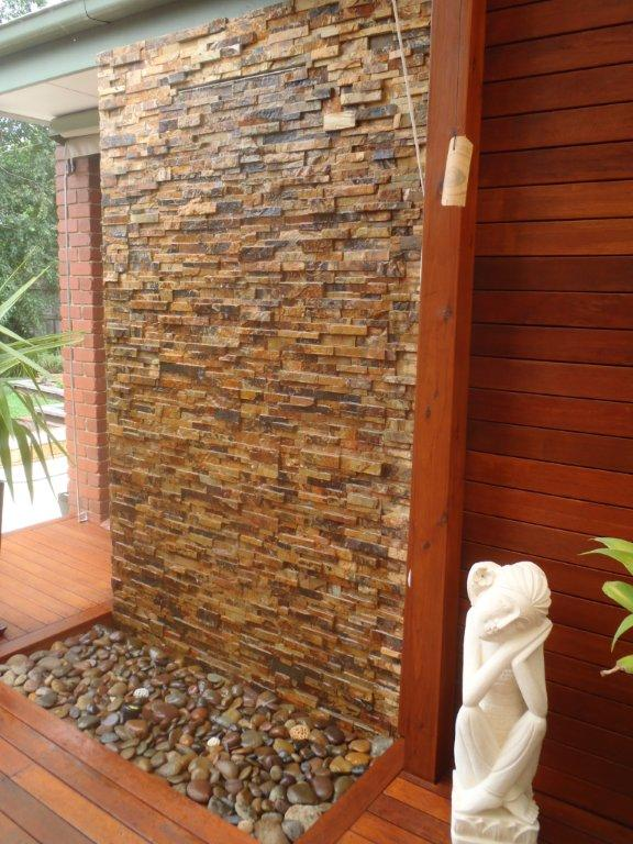 Diy wall cascading water features with stone cladding for Diy water wall fountain outdoor