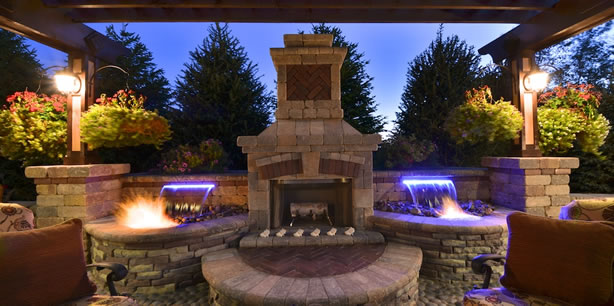 outdoorlivingspace-waterfeature-fireplace.jpg
