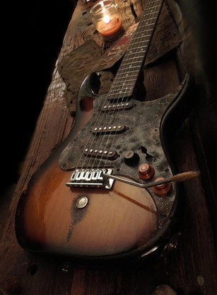 Just look at her! the Burnt Whiskey Swamp Strat