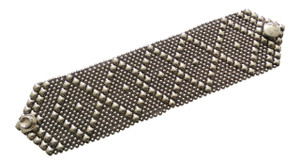 B10 Antique Silver Finish Mesh