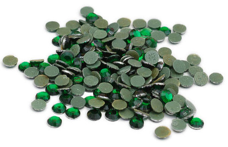 Silhouette Crystal 3mm 750/pkg Emerald Green