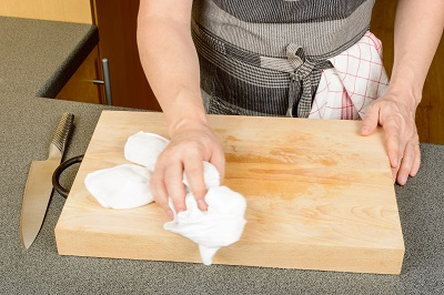 cleaning-cutting-board.jpg
