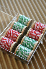 Baker's Twine Traditional Christmas Color Combination Kit - 8 Spools of 5 Yards - Two Colors