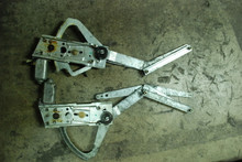 Porsche 911 SC Carrera Coupe Pair Window Regulators w/ motors