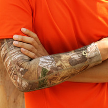 Realtree Xtra Titanium Compression Arm Sleeve
