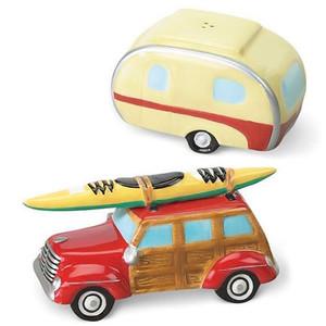 Woody Car Trailer Salt & Pepper Shakers 820-57