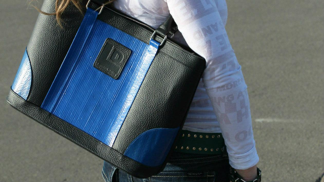 blue-layflat-black-tote.jpg