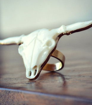 LONGHORN BULL RING - WHITE/GOLD
