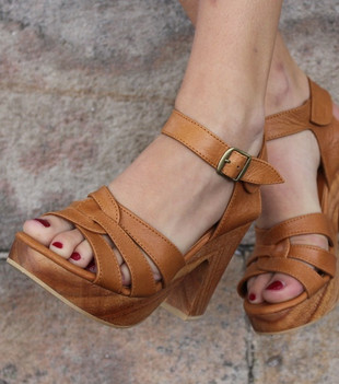 SAGE LEATHER HEEL - TAN