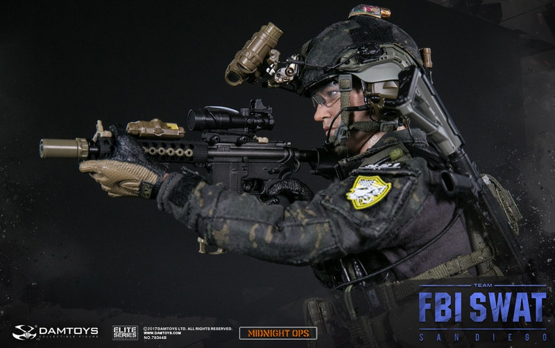 DAMTOYS : 1/6 FBI SWAT TEAM AGENT - SAN DIEGO MIDNIGHT OPS   NO.78044 B  PARTLIST:  REAL LIKE HEADSCULPTURE FRAME GLASSES DAM 2.0ACTION BADY  TACTICAL GLOVES x3 SENTRY BALLISTIC HELMET  HELMET COVER (MultiCam Black) PILE TAPE SET FOR FAST HELMETS (GRAY) BATTERY PACK FOR NVG GOGGLES GPNVG-18 GROUND PANORAMIC NIGHT VISION GOGGLE MANTA STROBE MPLS LED HD CAMERA WITH HELMET AN/PRC 148 RADIO PELTOR COMTEC II HEADSET U94 PTT G3 COMBAT SHIRT (MultiCam Black) G3 COMBAT PANTS (MultiCam Black) JPC (JUMPABLE PLATE CARRIER) (Ranger Green) BDU BELT S2V DUTY BOOTS (BLACK)  T-SHIRT (BLACK) DUMP POUCH (CB) MK18  MOE AR GRIP (BLACK) PMAG30 X4 (SAND) PMAG30 WINDOW(SAND) PMAG20 (SAND) AFG GRIP (SAND) SF MUZZLE BRAKE SF WARDEN BLAST DIFFUSER (SAND) M600 FLASH LIGHT  M PRO OFFSET REAR SIGHT (SAND)  M PRO OFFSET FRONT SIGHT (SAND)  LA5 PEQ LASER TACTICAL SLING TROY SLING ADAPTOR TROY BATTLE RAIL (BLACK) TROY BATTLE AX STOCK (BLACK) TROY MODULAR TRX RAIL x3 TROY SQUID GRIP x2 (SAND) G17 PISTOL G17 MAG X2+1 PISTOL FLASH LIGHT LEG DROP HOLSTER M870 SHOTGUN WITH FLASHLIGHT HANDGUARD M870 SHOTGUN SHELL x5 M870 SHOTGUN SLING  M870 SHOTGUN CATCH SHOTGUN SHELL CATCH EOTech 552 CTR STOCK (GRAY) CTR STOCK CHEEK RISER (BLK) AID POUCH (MultiCam) GP POUCH (Ranger Green) HYDRATION POUCH (Ranger Green) FLASHBANG GRENADE POUCH (Ranger Green) 5.56 MAG POUCH x2 (Ranger Green) 5.56 MAG FAST POUCH (GRAY) PISTOL POUCH x2 (Ranger Green) GPNVG-18 POUCH (Ranger Green) RADIO POUCH(Ranger Green) LEG DROP GP POUCH (Ranger Green) TACTICAL PISTOL LANYARD(BLK) SUUNTO WATCH ID PATCH x 8  PEN X2 SCISSORS PERSONAL RETENTION LANYARD FBI BADGE SHIELD CLIMBING HARNESS(MultiCam) CARABINER X2 DESCENDER    .................................................. .................................................. ....................