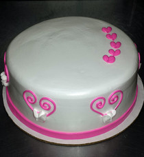Round Cake Open Heart Deco