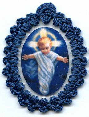 crocheted relic badges of the divine infant jesus, relic badge, cloth touched to relic of the crib of our lord