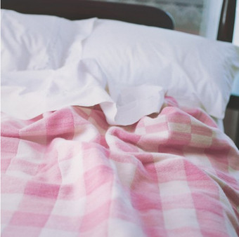 White with Rose Checks Wool Blanket (sustainable wool)