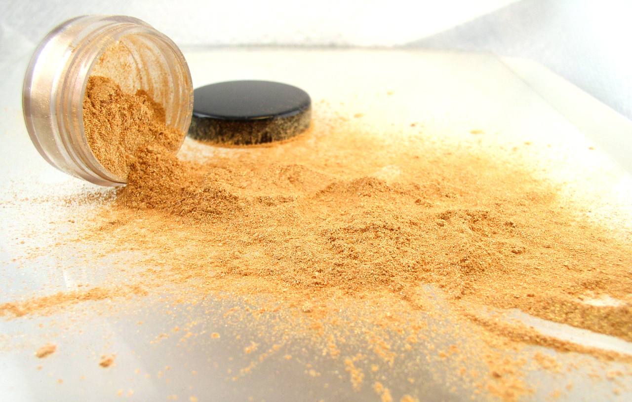 vegan mineral eyeshadow gold dust the all natural face. Black Bedroom Furniture Sets. Home Design Ideas