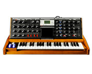 Moog Minimoog Voyager Monophonic Synthesizer (Performer Edition)
