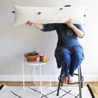 Farrah long pillow