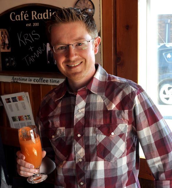 rick-at-cafe-radio.jpg