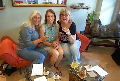 3-girls-at-b-day-the-taste-of-tea.jpg