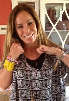 celebs-melissa-rivers-zelda-bracelet.jpg