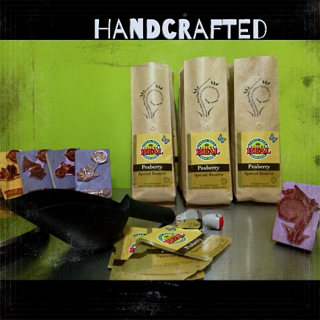 handcrafted artisan coffee from costa rica peaberry