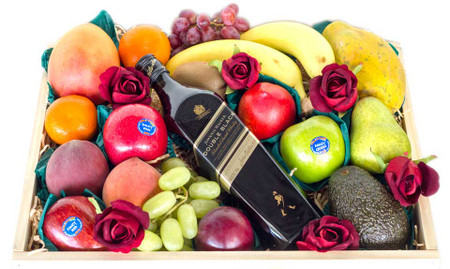 Mixed fruit with johnnie walker whisky roses gift hampers image 1 negle Choice Image