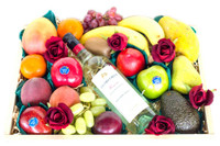 Mixed Fruit with Jacobs Creek Sauvignon Blanc & Roses