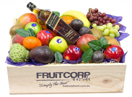 Gift Hamper with Johnnie Walker Whisky & Fruits