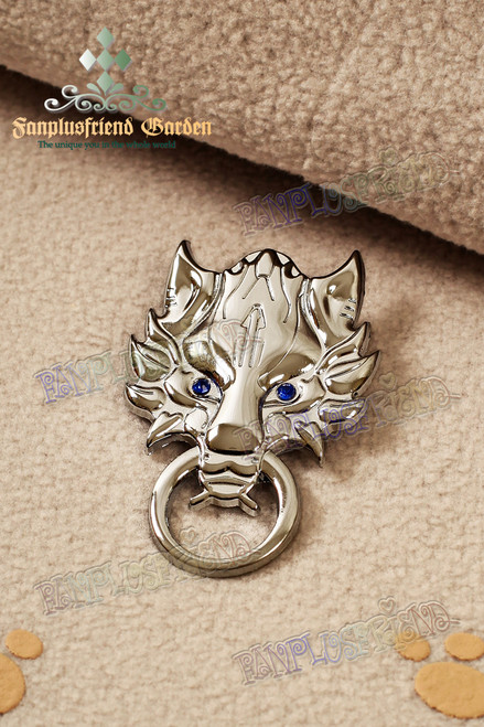 Gothic Wolf Head Brooch (Final Fantasy)