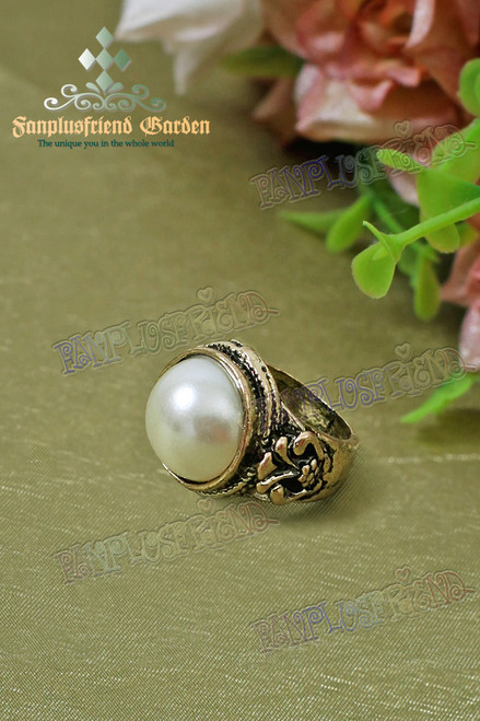 Gothic Elegant Pearl Decorated Ring