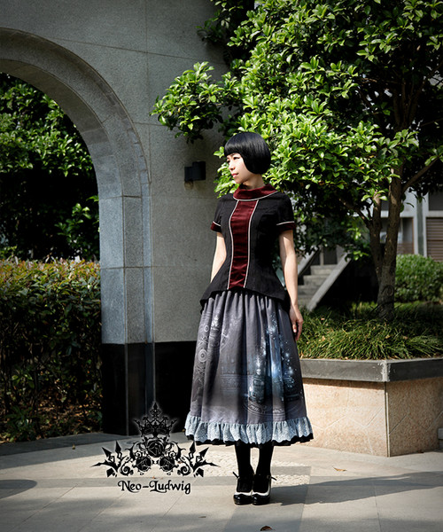 Model Show (Black + Burgundy Ver.) (skirt: SP00170, leggings: P00182)