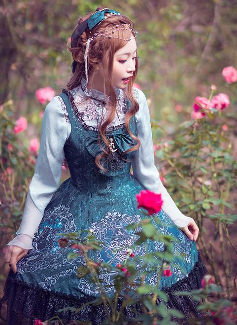 Model Show (Spirit Green + Black Ver.) (headdress: P00638, blouse: TP00174, petticoat: UN00026) *beaded headdress NOT for sale