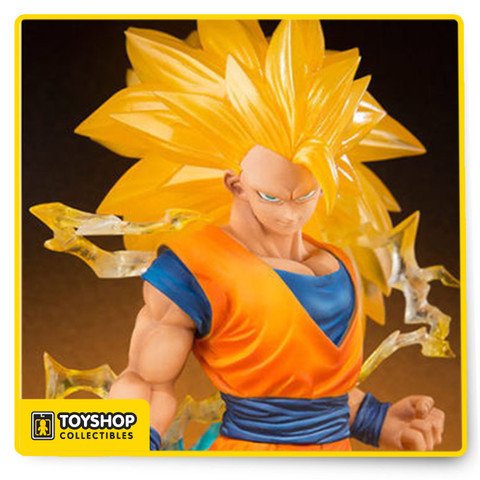 Son Goku appears in classic Super Saiyan 3 form with massive hair and fierce effects! Both utilize clear material for added impact and dynamism. Fans will recall Goku's memorable battle with Majin Buu as he transformed into this powerful form. Don't miss the opportunity to add this meticulously sculpted Super Saiyan to your collection. The set also includes a special display stand.