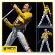 "Best vocalist world ""Freddie Mercury"". Compromise the rock star ""Freddie Mercury"" action figure of the definitive edition finally appeared that do not know.  And commercialized Legend ""Freddie Mercury"" which served as the lead singer in the popular rock band of the legendary ""Queen"". Original in the members be the last tour ""Live at Wembley Stadium"" I am reproducing the famous yellow costume at the time of appearance."