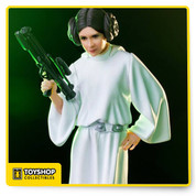 Princess Leia from Star Wars Episode IV: a New Hope  Limited edition hand painted polystone statue Produced using original movie reference materials Includes base