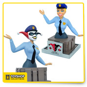 From the Batman: The Animated Series comes a bust of everyone's favorite DC villain, Harley Quinn!  She comes dressed as a police officer and includes an interchangeable non-masked head. Celebrate 25 years of The Animated Series with this collectible bust!