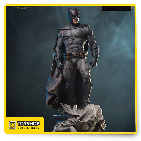 Limited edition Based on original references from the movie Made in Polystone Hand painted Includes base display  New in box opened for inspection only