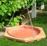 bird-bath-basics-hanging-bird-bath.png
