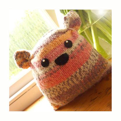 Plump Flump Knit Kit in Humbug