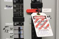 STOPOUT ® Low-Profile Circuit Breaker Lockout