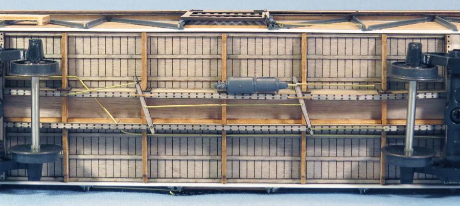 sp-s40-5-underside-full-small.jpg
