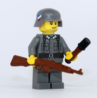 WW2 German G43 Soldier