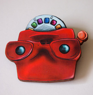 Hungry Designs Retro Viewfinder Brooch - Cobalt Heights
