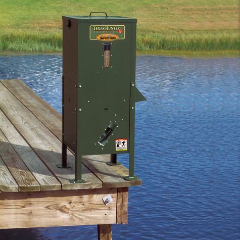70 lb lake pond fish feeder with straight legs texas for Fish feeders for ponds