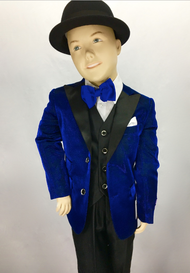 Gq has you covered with this unique kids suit. Any event Any occasion your child will be that main attraction. Prices are exclusive to online sales.