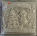 Bear and Christmas Tree / Oso y Arbol de Navidad