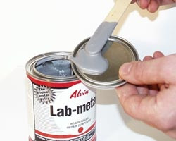 Lab Metal 700ml with 500ml of Lab Matal Solvent